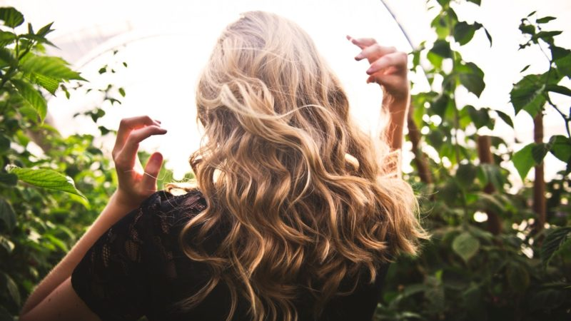 Make Your Hair Shine With These Excellent Vitamins